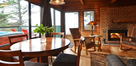 cabin 1 dining area at point no point resort