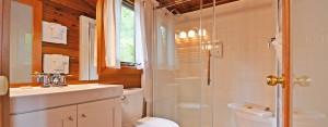 point no point resort cabins 13 & 15 bathroom