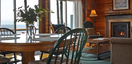 point no point resort cabin A Glacier Loft dining-livingroom
